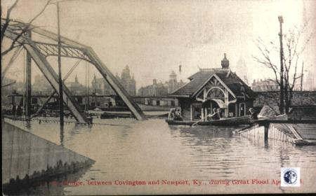 Image: di01079 - 4th St. Bridge (Covington-Newport) Great Flood April 1913