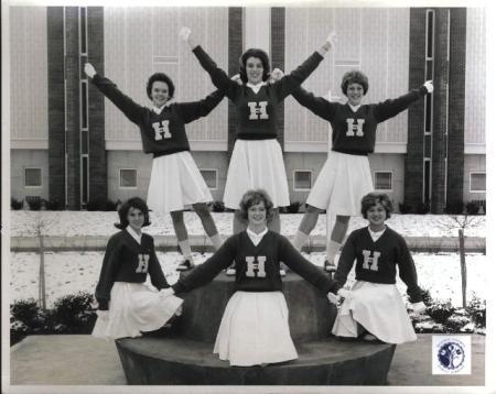 Image: di01111 - Highlands High School cheerleader squad.
