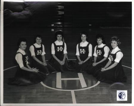 Image: di01113 - Highlands High School cheerleading squad