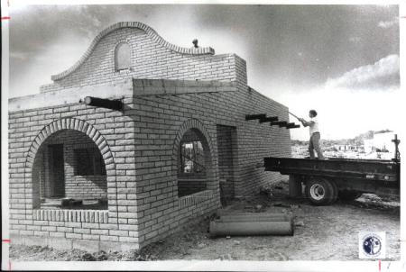 Image: di01221 - Brick layers working on Taco Bell, Dallas Liptort & Rick Jacob