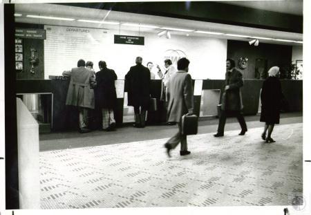 Image: di02248 - TWA counter at Greater Cincinnati Airport