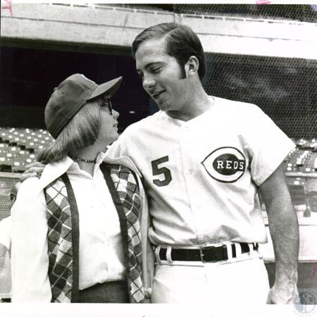 Image: di04067 - Barb Smith meeting Johnny Bench