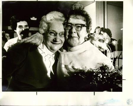 Image: di04564 - Barbara Loomis, 80, & Beulah Latimer, 70