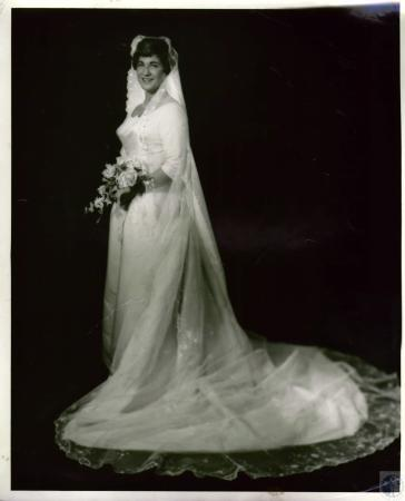 Image: di04834 - Mrs. Thomas (Jamee Clare Wadsworth) Todd, wedding photo