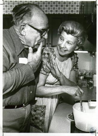 Image: di04884 - John L. Beatty & wife Clare