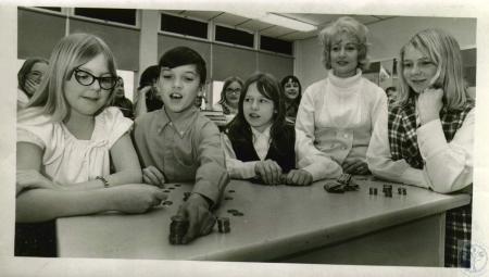 Image: di06225 - Shelley Stevens, 11, Dan Rogers, 12, Michelle Weber, 12, Linda White, 11, Mrs. Donald R. Rose