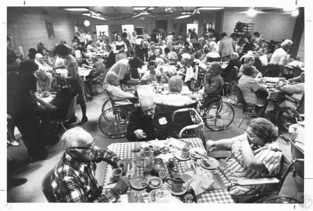 Image: di07961 - Christmas dinner at Lakeside Place - foreground table: Ben Schwartz (82), Ben Kelly (87) and Charlotte....
