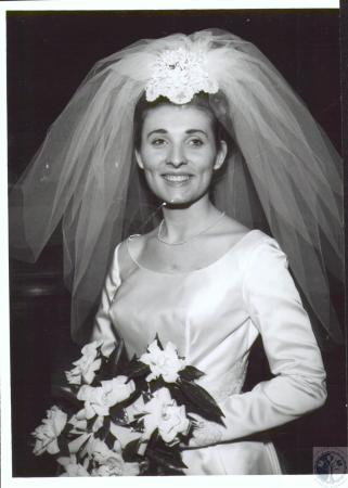 Image: di08180 - Annette Cottingham married to Kenneth Stiers, wedding photo