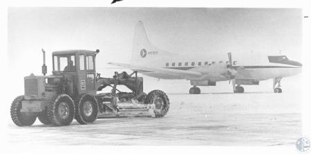 Image: di08766 - Removing snow from Servair ramps