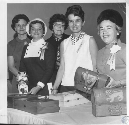 Image: di08854 - Mrs. Fred Scroggins, Mrs. Tom Suter, Mrs. Kermit Olson, Mrs. Nancy Lauderman, Mrs. John Acree