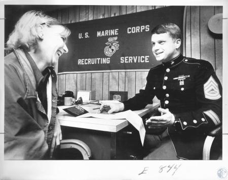 Image: di09839 - Lisa Stephens (17) and gunnery sergeant James E. Dexter U.S.M.C.