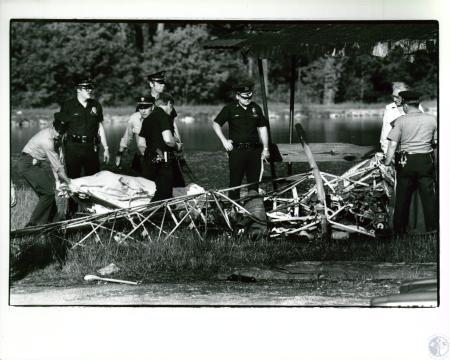 Image: di10010 - helicopter crash at Rolling Hills Fishing Lake