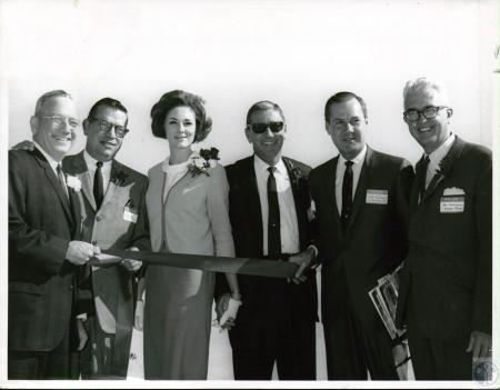 Image: di10053 - Cincinnati mayor Walton Bachrach, Airport General Manager Byron Dickey, (unidentified), (unidentified),....