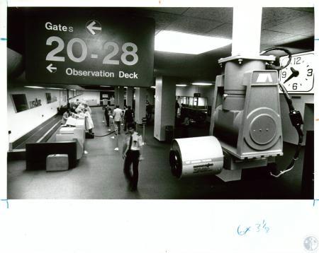 Image: di10070 - security camera in airport terminal