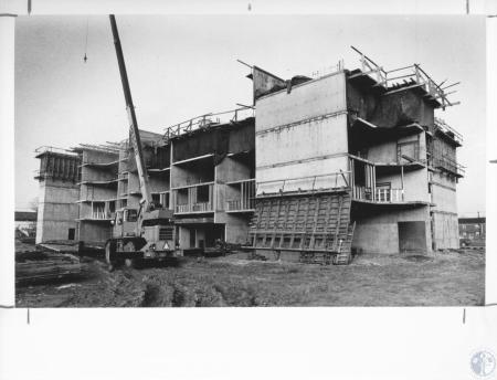 Image: di10248 - Two Rivers Apartments construction