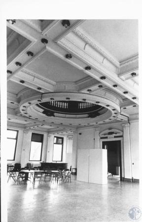 Image: di10354 - main floor