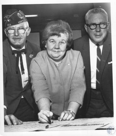 Image: di10401 - Charles W. Berens Sr., Ruth M. Penny, Mayor Bernard Eichholz