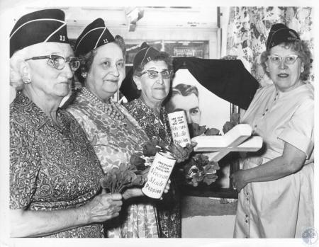 Image: di10405 - Mrs. Mabel Standerford, Mrs. Mayme Wegmann, Mrs. Alice Maxey, Mrs. Frank Schwed