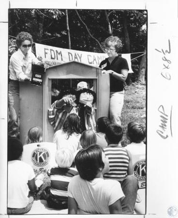 Image: di10564 - Jackie Blau, 42, and Dee Rosing, 45, putting on puppet show