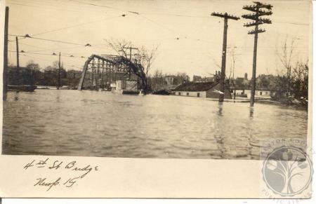 Image: di100039 - Fourth Street Bridge in Covington, looking toward Newport