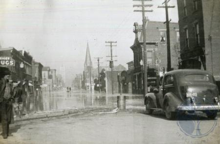 Image: di106915 - 7th and Scott Streets, looking North on Scott Street. Taken by Dorothy Roetken.