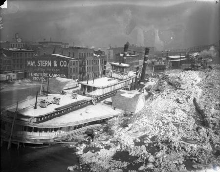 Image: di107250 - Louisville and Cincinnati Steamboat moored in frozen Ohio River. Facing Cincinnati.