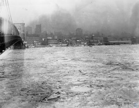 Image: di107256 - Flooded Cincinnati shoreline. Louisville and Cincinnati Steamboat moored on shoreline. Roebling Bridge....