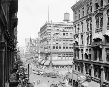 Image: di107512 - 5th and Vine Streets. View 2