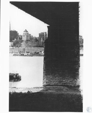 Image: di11267 - Pier of bridge