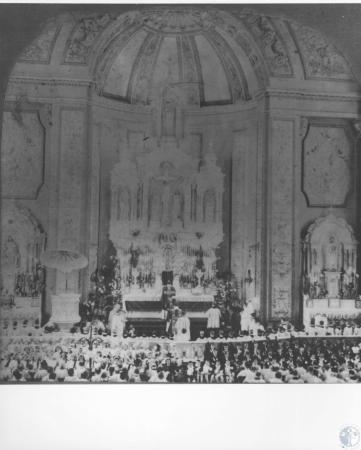 Image: di12243 - Rev. Ahman's Jubilee Mass - 80 priests & 700 children