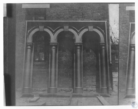Image: di12255 - construction of portico