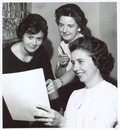Image: di12381 - Saint Stephen Mother's Club: Mrs. Ray Kremer, Mrs. Matt Maschinot, Mrs. Tom Mullen