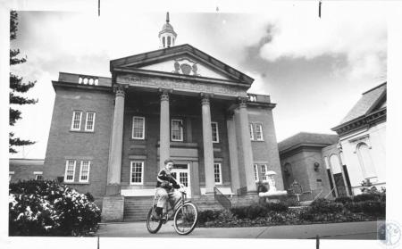 Image: di12981 - Grant County Court House