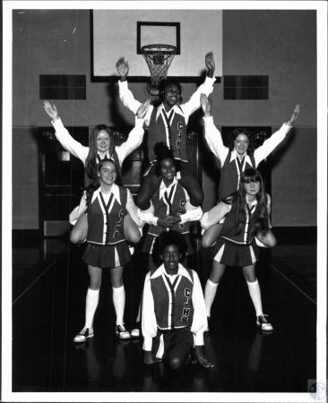 Image: di127901 - Covington Jr. High cheerleaders