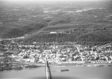 Image: di128116 - Aerial view of Maysville, KY and the Simon Kenton Memorial Bridge
