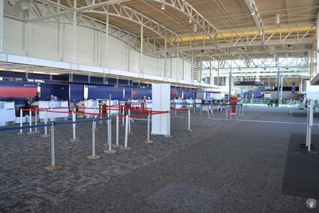 Image: di128342 - Deserted Delta Air Lines counter at the Greater Cincinnati International Airport