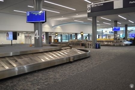 Image: di128358 - Empty baggage claim carousels at the Greater Cincinnati International Airport