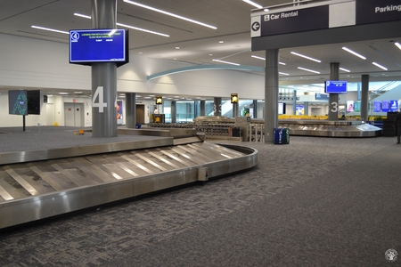 Image: di128359 - Empty baggage claim carousels at the Greater Cincinnati International Airport