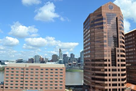 Image: di128386 - View looking toward Cincinnati, past Embassy Suites and Towers of River Center