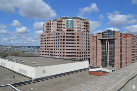 Image: di128391 - View of Marriott Hotel