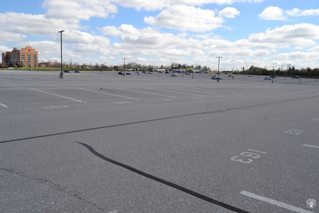 Image: di128418 - Nearly empty parking lot at CVG