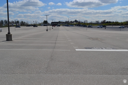Image: di128419 - Nearly empty parking lot at CVG