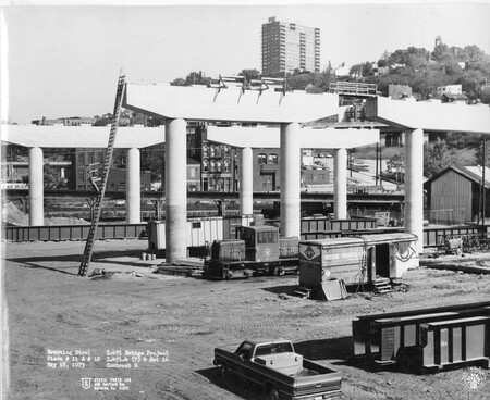 Image: di128426 - Erecting steel at I-471 bridge project, Photo from Stevie Photo Lab - 400 Fairfield Avenue Bellevue,....