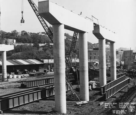Image: di128428 - Erecting steel at I-471 bridge project. Photo from Stevie Photo Lab - 400 Fairfield Avenue Bellevue,....