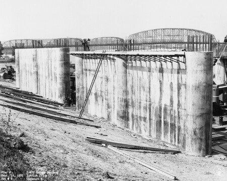 Image: di128459 - Pier 4, I-471 bridge project