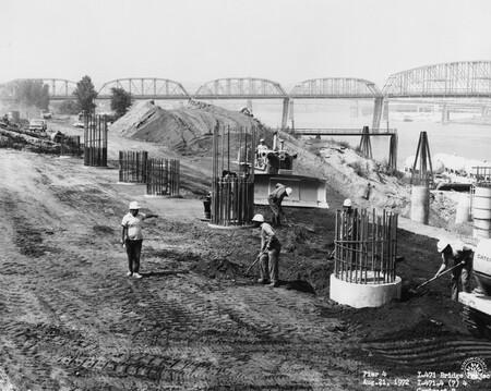 Image: di128462 - Pier 4, I-471 bridge project