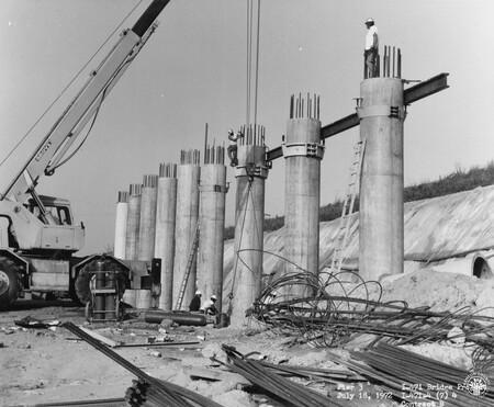 Image: di128472 - Pier 3, I-471 bridge project