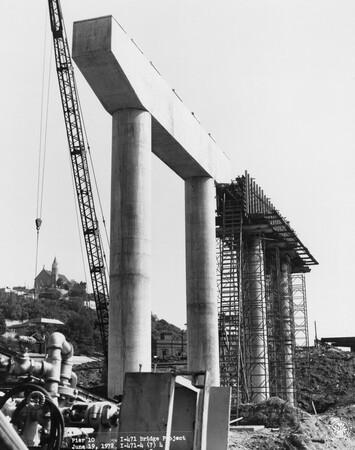 Image: di128485 - Pier 10, I-471 bridge project