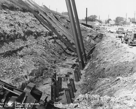 Image: di128486 - Pier 3, I-471 bridge project