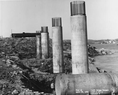 Image: di128494 - Pier 10, I-471 bridge project